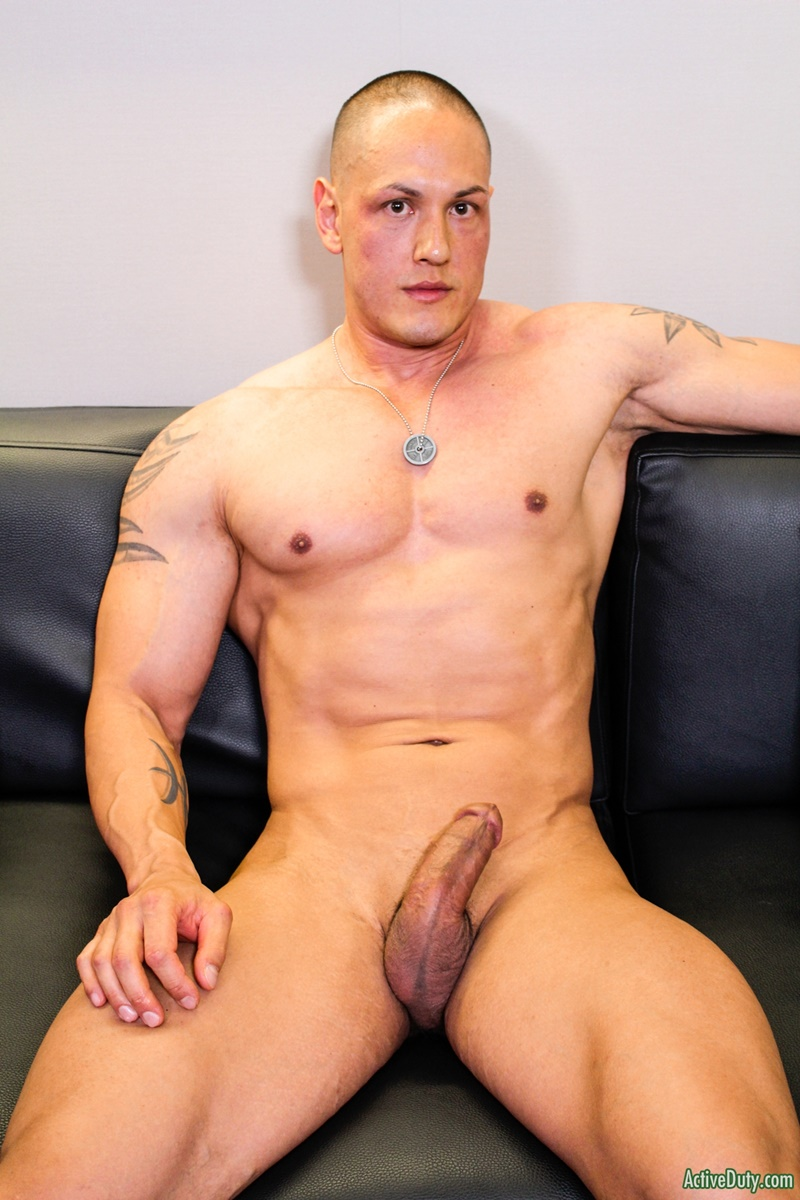 Sexy Big Muscle Hunk Matt Jerks His Dick To A Massive Cum -9359